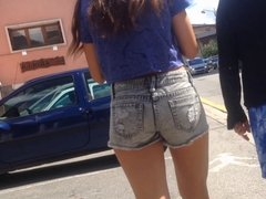 Candid - Mini short teen latina