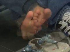 Candid Filipina Foot and Sandal Play