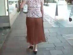 Skirt No Panties MILF