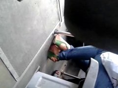feets in bus pies en la micro