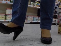 Public Stocking Feet l
