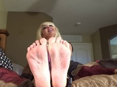 Dawn of the Barefoot MILFie's Sole Show - Back in Blonde!