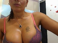 LATINA BIG TITS WEBCAM