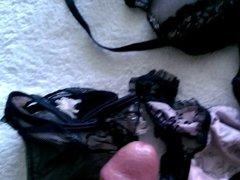 cum NOT sisters panties and bra