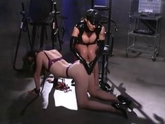 Dominatrix gives a sexy lesson 2