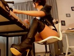 Leather webcam girl
