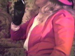 T Gurl Leather Gloves Maturbation--Let's get closer!