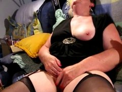Chubby Mature rubs until she cums