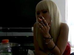 jap long nails smoking