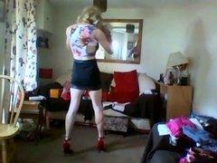 short skirt and crop top 2