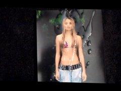 Pia Mia Perez 10 loads bodypainting (slomo)