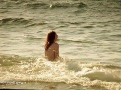 Lola Naymark nude - Au Fil D'Ariane (2014)