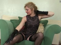 Mature slutty mother first time on cam