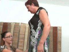 Casting anal pour cette mature dans La Maison du Sexe