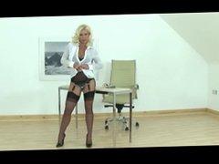 Hot Blonde MILF gives guy a handjob