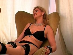 Sex and Tickling Mature Woman