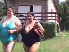 Two BBW lesbians enjoys outdoors WF