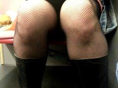 legs in metro