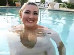 Sexy Latina Sinful Celeste Fucks on in the pool