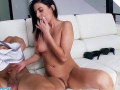 Nikki Daniels masturbates before fucking