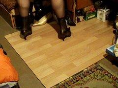 AllaDino in Black Stockins e Hells Dance Katy Pery