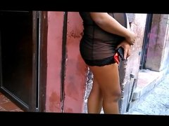 video de la putita semi desnuda en la calle