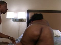 Flexible BBW does splits during hard pussy pounding