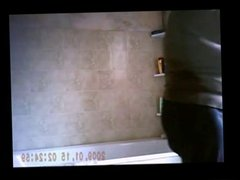 Amateur Mature in a bath R20