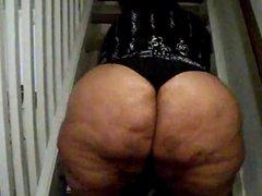 Big BBW Redbone ass Bouncing