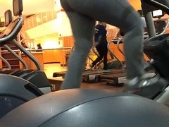 gym bubble butt latina