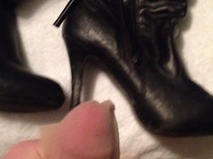 Cumming on high heel knee high leather boots