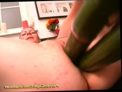 Woman fucks with thick objects