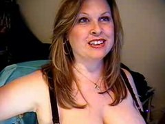 Private Cam session with Heavenly MILF Curves