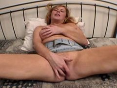 Chubby MILF - bouncing tits - great anal