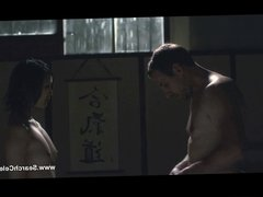 Linh Dan Pham nude - Le grand mechant loup