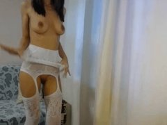 Sunny Doll se mets a nue