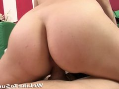 Amatuer blowjob girl struggles to swallow cumshot while play