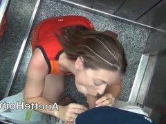 fellation avec couple francais amateur dans l ascenseur