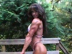 Karen Zaremba Female Bodybuilder 01