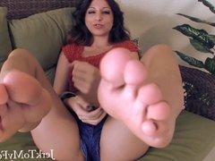 Cum on My Feet - Foot Fetish