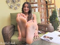 Chichis Jerk to My Feet - Foot Fetish - Foot Worship