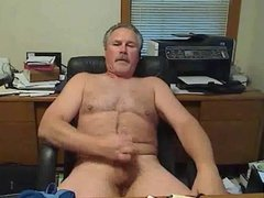 voyexhib Reluctant Exhibitionist shows off his stuff on cam