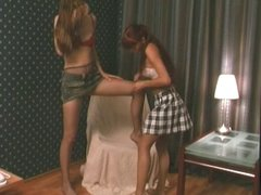 lesbos in nylons