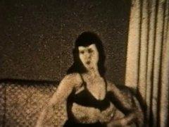 BETTIE VINTAGE NYLONS TEASE (non nude)