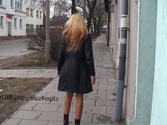 Viktoria backstage - flashing photoshot in the street