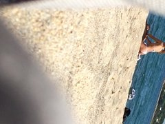 Coppia in spiaggia....si inizia con un massaggio