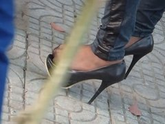 Shoeplay when waiting for the bus 2