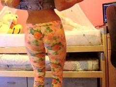 Twerking nice in leggings