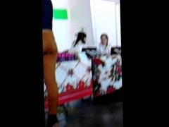 Nalgona Delgadita En Jeans Cafes Ajustados