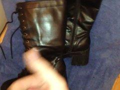 Cum on boots3 (Bootlker)